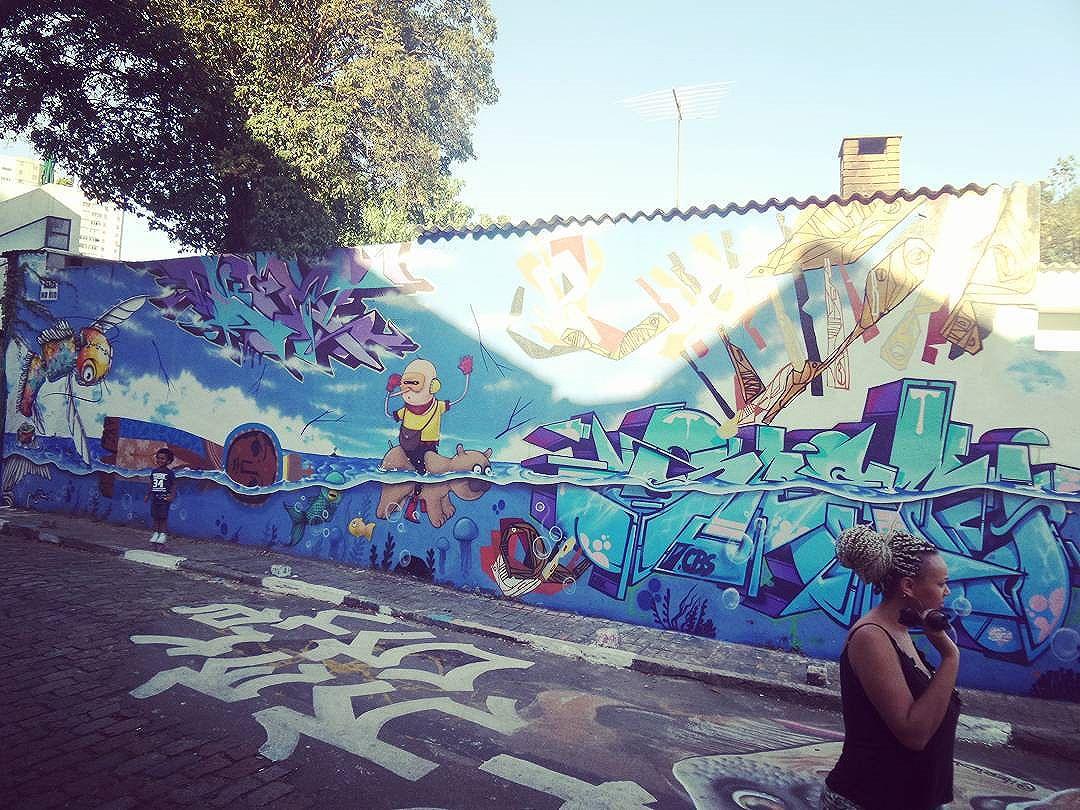 #graffiti #graffitiart #streetarteverywhere #streetstyle #streetartsp #graffitisp #sampagraffiti #streetartist #streetstyle #streetphotography #streetphotographers #ofantasticomundodografite #be_one_urbanart #street_art #saopaulo #vilamadalena #becodobatman #graffiti_of_our_world
