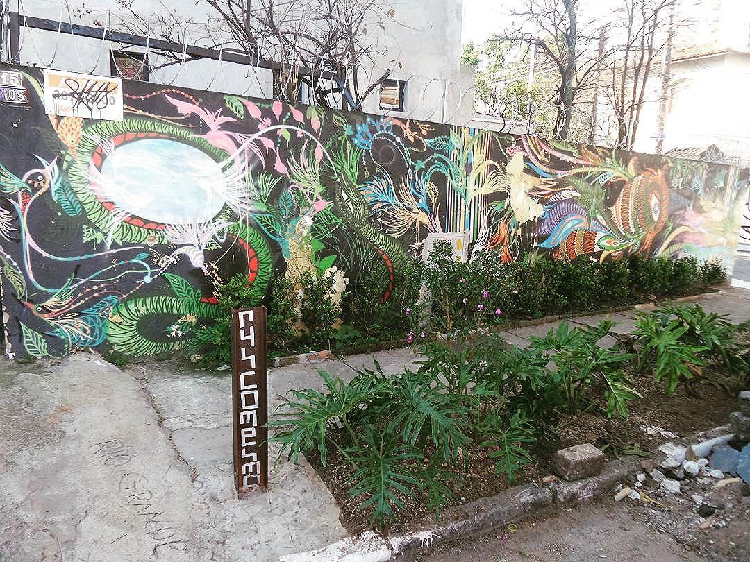 #graffiti #graffitiart #streetartsp #graffitisp #sampagraffiti #streetartist #streetstyle #streetphotography #streetphotographers #ofantasticomundodografite #wallporn #sprayart #aerosolart #be_one_urbanart #graffiti_of_our_world #streetartglobal #vilamadalena #saopaulo #arteurbana #becodobatman #poraisp