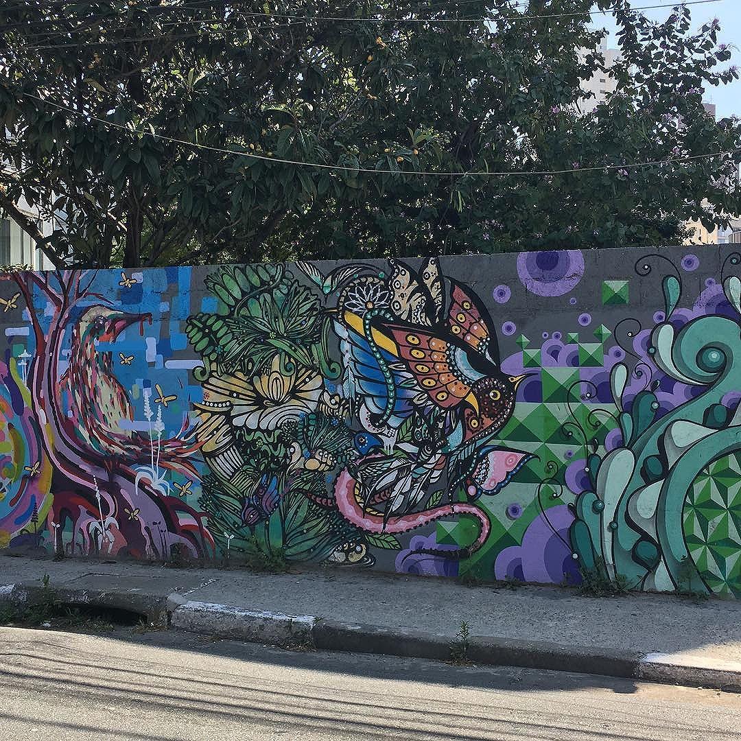 #graffiti  #lindezas da rua. :: :: :: #graffitiart #streetart #artederua #streetartsp #instagraffiti #arte #olheosmuros #so #splovers