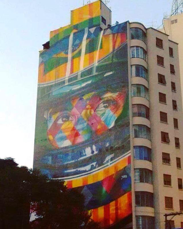 Mural do @kobrastreetart em homenagem ao Senna na rua Consolação. #kobra #eduardokobra #kobrapaint #senna #sennasempre #ayrtonsenna #sennaforever #graffiti #graffitiart #graffitisp #graffitisaopaulo #streetart #streetarteverywhere #streetartsp #streetartphotography #consolacao #sp #sampa #saopaulo #spcity #sampacity #saopaulocity #spwalk #sampawak #splovers #spsemmesmice #prediosdesaopaulo #predio #street