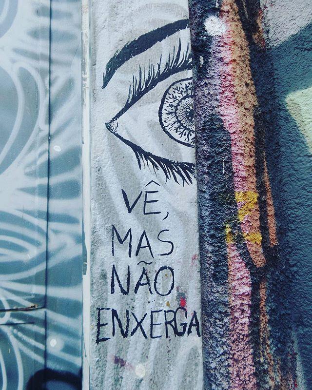 #olhosemuros #artederua #murosp #arteurbanasp #streetartsp #streetarteverywhere #streetstyle #streetphotography #streetphotographers #ofantasticomundodografite #olhos #openyoureyes #becodobatman #vilamadalena #sampa #splovers