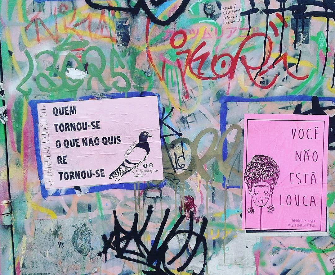 Quem tornou-se O que não quis Re Tornou-se . Quadrinhos na porta!  @fridafeminista . #aruagrita #vaiadape #foratemer #valorizesuacidade #DIY #lambelambe #lambe #streetart #intercencaourbana #vozesdarua #feminismo #feminism #urbanart #city #sp #splovers #murosquefalam #olheosmuros #urban #street #streetart #hypeness #streetartsp #artederua #silenciodasruas #vozesdacidade #taescritoemsampa #oqueasruasfalam