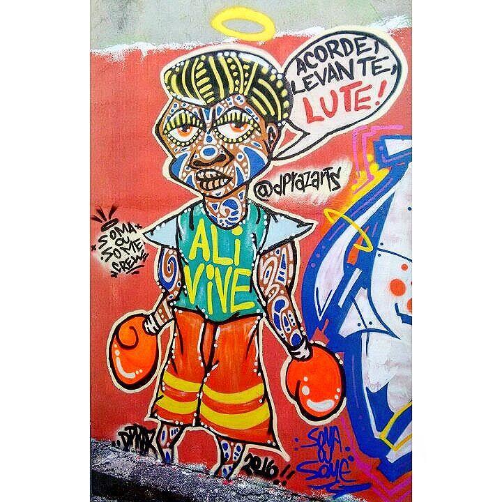 """""""Acorde, Levante, LUTE!"""" Ferraz de Vasconcelos - SP. 2016  Rolê na Viela OBG Crew. Satisfação @yago_duf_flauzino pelo espaço e pelo espaço!!! #dpraznãopara #danyahupraz #dancoliveira #danielpraz  #intervencaourbana #arteurbana #artederua #sprayarte #colorginarteurbana #noucolors #artesvisuais #urbanart #streetart # #sprayart #visualarts #instapainting #instastreetart #streetartbrazil #streetartsp  #streetartworldwide #somaousomecrew #amizaderespeitoetintacrew #ali #alirip #alivive"""
