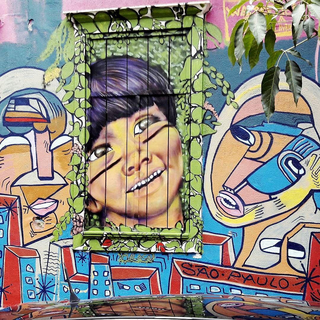Linda obra coletiva no Dia do Graffiti no Bixiga (São Paulo) Artistas: AKBO (@_akbo) & MALACA (@rafa.malaca) #malaca #akbo #sambadograffiti #be_one_urbanart #graffiti #graffiti_clicks #grafite #graf #streetart #streetartsp #streetphoto #streetarteverywhere #streetartphotography #spraypaint #urbanwall #urbanart #wallart #saopaulo #brasil #rsa_graffiti #braznu #sampa #tv_streetart #saopaulocity #tv_sa_simplicity_graff #streetartofficial #be_one_urbanart #brarts #diadograffitinobixiga #diadograffiti #windowart