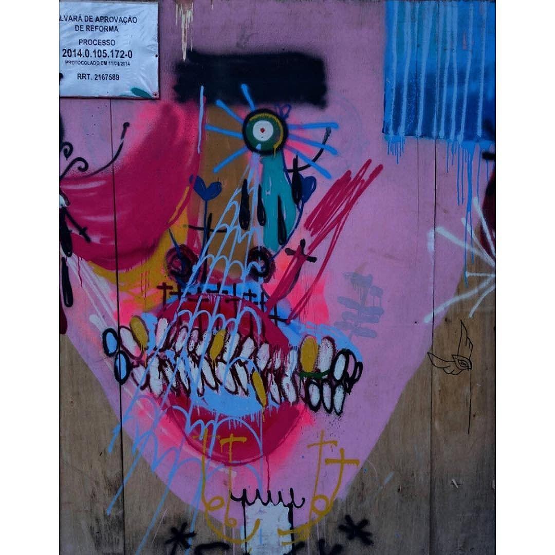 Street Art em Sampa SãoPaulo_SP_Brasil_Data:20140906 Câmera: #SONY_RX100M2 Photo: J Goncalves #sony  #original #splovers #sousampa #sp4you #saopaulonline #saopaulowalk #brasilbr55 #saopaulocity #ig_saopaulo #TopSampaPhotos #cidadedagaroa #brazil_repost #vejasp #spinfoco #euamosp #saopaulocity #catracasp #vcnouol #vilamadalena #instagrambrasil #cliquedodiasp #tvminuto
