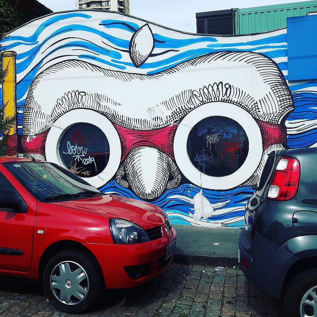 To de olho em vocês. I'm looking at you. #desapercebidonodiaadia #instagram #instagood #nofilter #gosteifotografei_ #streetartsp #sp #spcity #instasp #SaoPaulo #ilovesp #sampacity #brasil #brazil #instagrambrasil #pinheiros #arte #artes #art #urbano #urban #streetphotographer #fotografiaderua #fotourbana #fotoartederua #sofoto #photooftheday