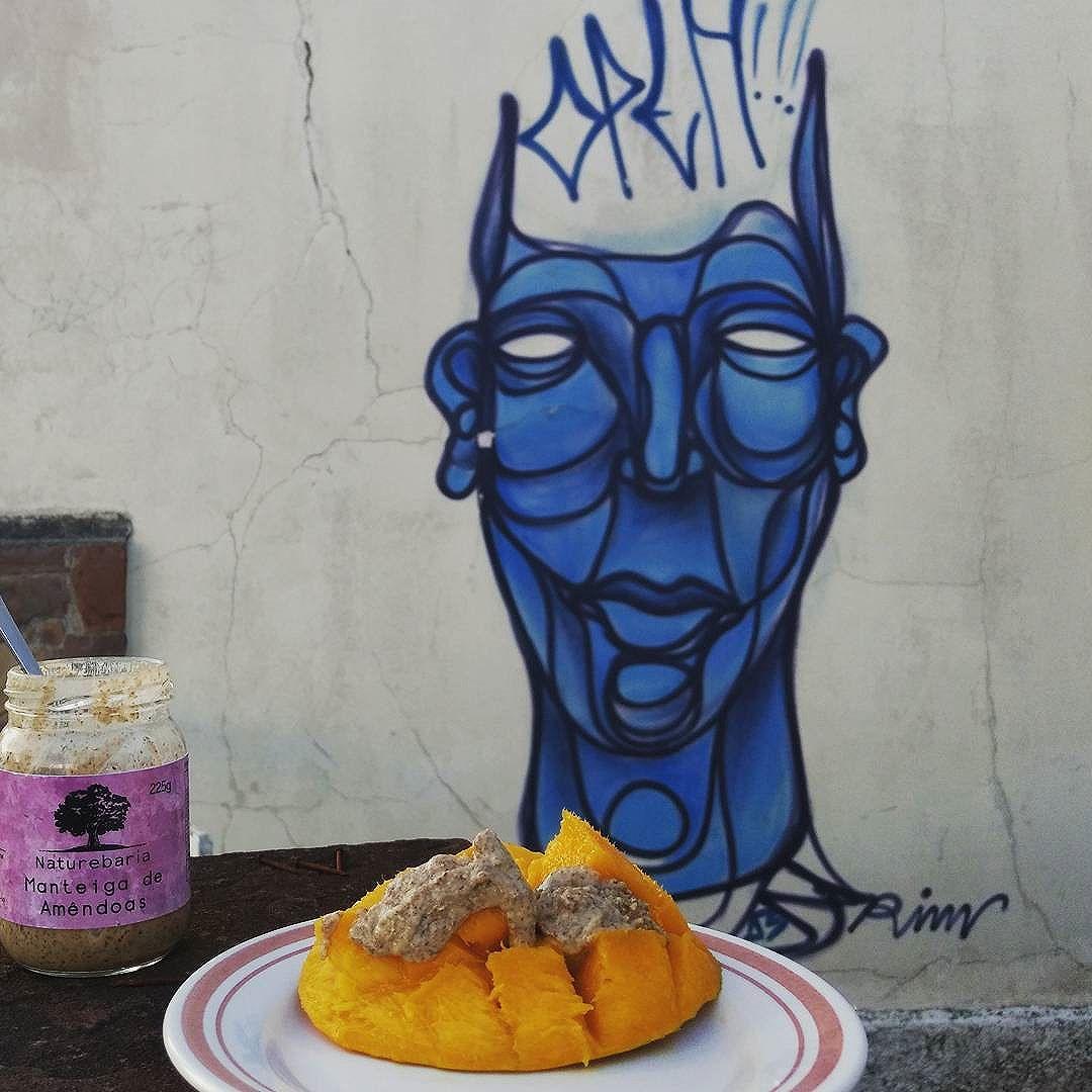 Manga, manteiga de Amêndoas e #streetartsp   Ficou divino! Experimente   #naturebaria #manteigadeamendoas #mantigadecastanhas #nutbutterbrasil #nutbutter #pastadecastanhas #manteigavegetal  #lowcarb #paleo #vegan #paleovegan #paleodiet #paleolowcarb #drsouto #dietalowcarb #saudavel #dietapaleo #comidadeverdade #dietapaleolitica #paleobr #vidalowcarb #primalbrasil #paleobrasil #lchfbrasil #receitasfit #lowcarbdiet #vidasaudavel #semlactose #semgluten