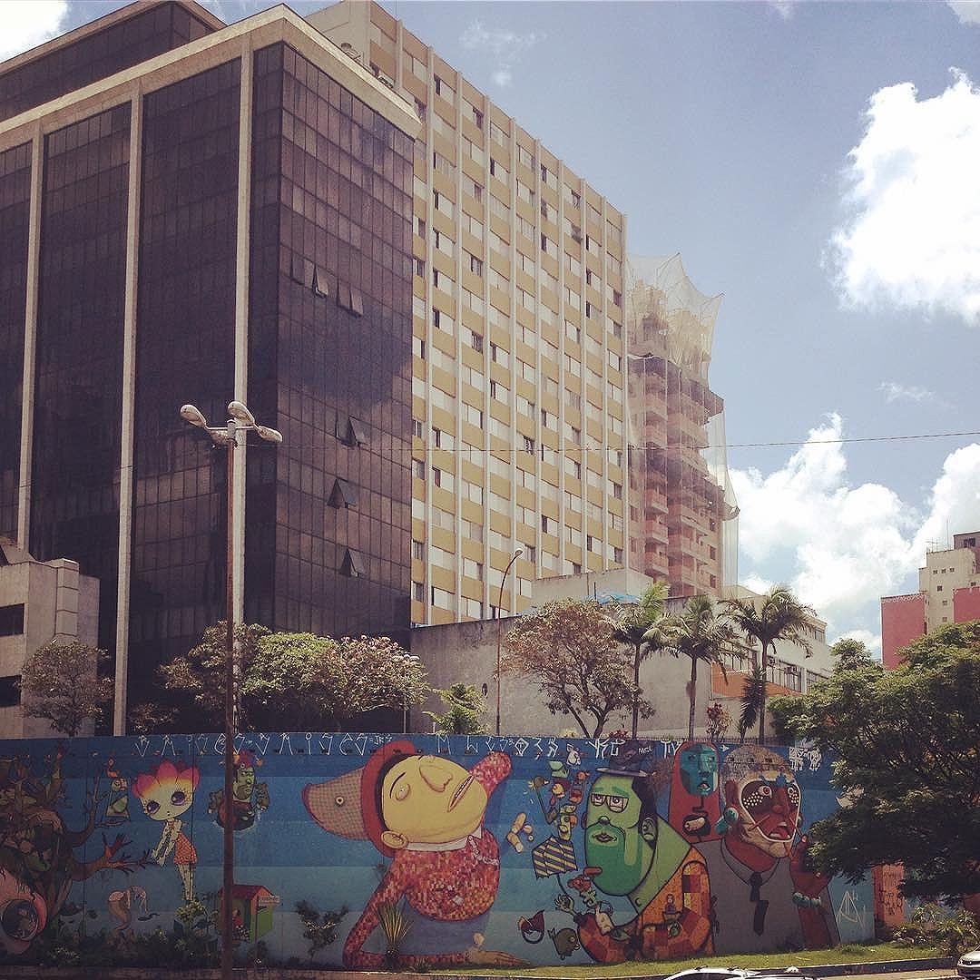 #olheosmuros #Grafite... #Arte... #saopaulocolorida #urbanart #graffiti #spcomcor #sp360graus #sampalovers #sampacity #saopaulocity #urbancity #spdagaroa #sousampa #olhardeamador #olharesdesampa #sampalovers #hypenes #olharurbano #splove #misturaurbana #almapaulista #saopaulo_originals #instagood #olhesp #sp4you #olheosmuros #osmurosfalam #aruafala #oqueasruasfalam #StreetArtSP #tvminuto