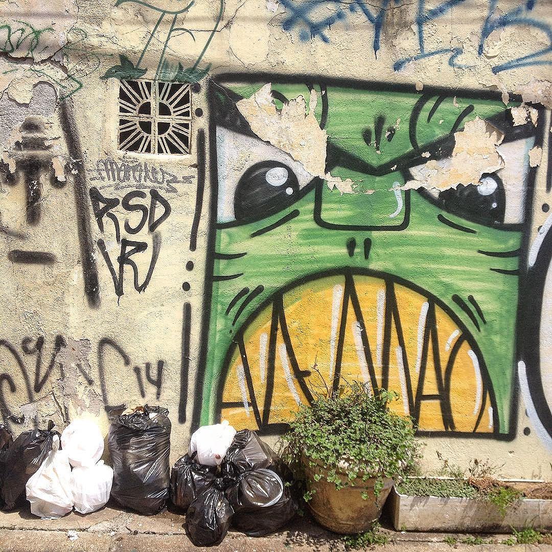 #trashngraff @giulianoalemao #wallart #graffiti #tv_streetart #saopaulo #streetartsp #artederua #rua #spraypaint #trash #jacktwo #streetarteverywhere #dsb #tag #pixo