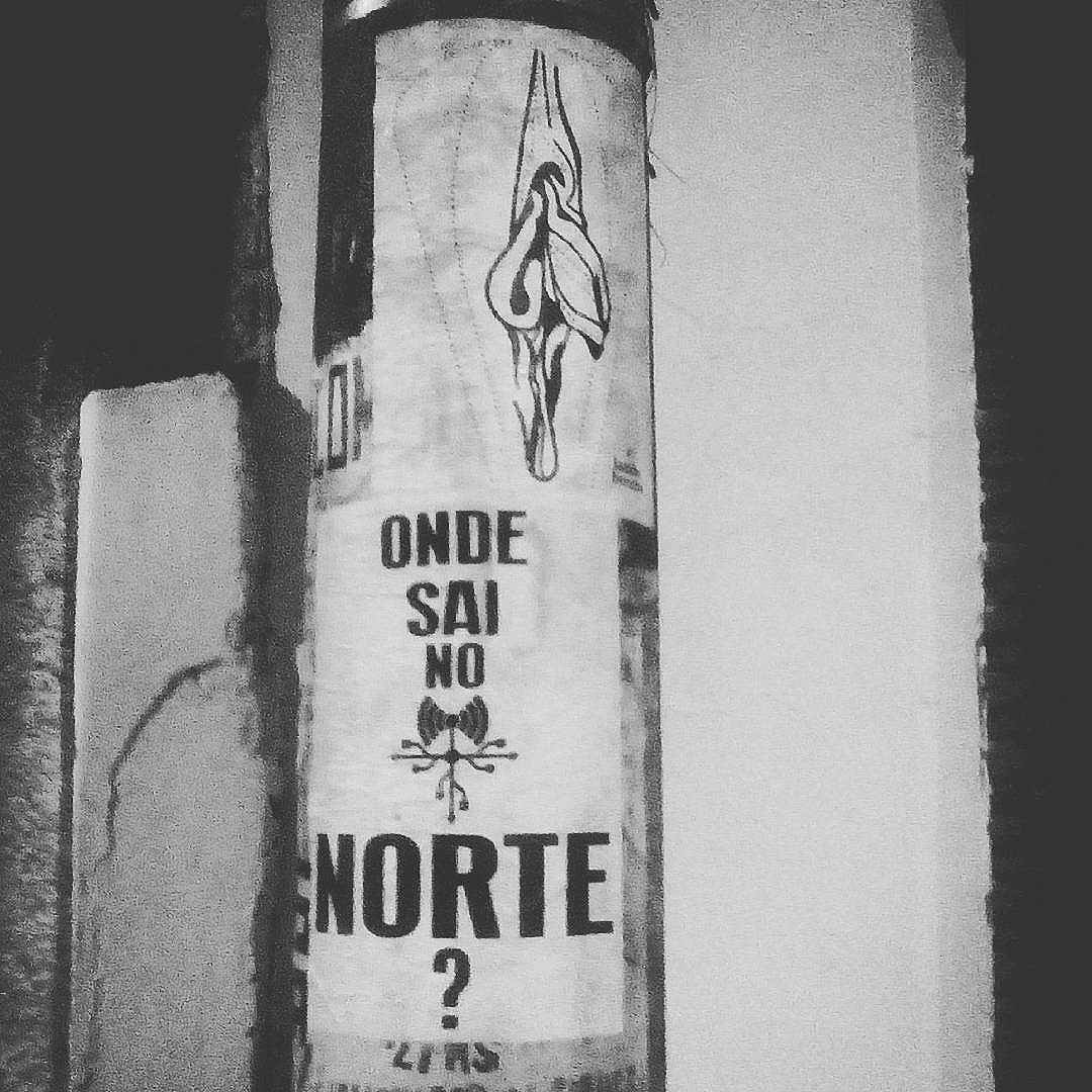 Lambe feito com a typografia  Dilma terrorista do Tony de Marco e a letra da música passado do Norte do @gustavodalua7 @radiantesuingabrutoamor e o lambe delicioso das lindas do @lambeb_ceta. Pode acabar 2016! #paulestinos #poesia de rua #poesiaconcreta #poesia #lambelambe #streetart #urbanart #arteurbana #artelatina #artecallejero #artecallejerolatinoamerica #taescritoemsampa #olheosmuros #streetartsp  #colagem #poesianoconcreto #lambesbrasil #lambebuceta #gustavodalua #radiantesuingabrutoamor