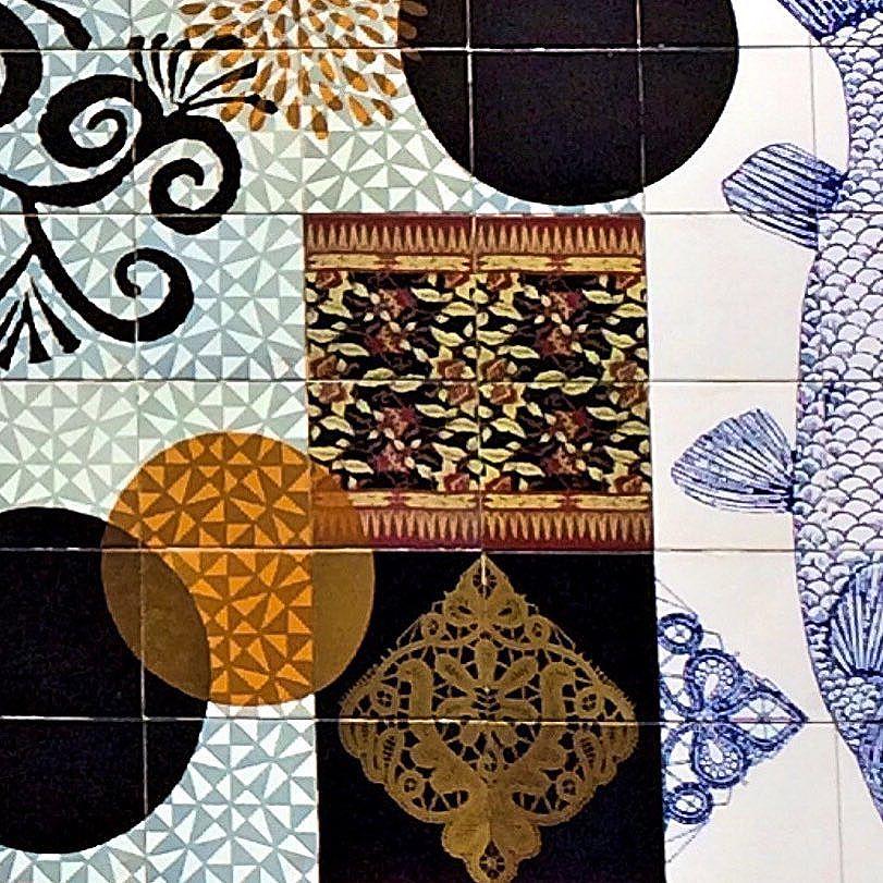 Mosaico, Vila Madalena, SP  #streetart #vilamadalena #vilamada #mosaico #mosaic #streetart #azulejo #tile #sp #streetartsp