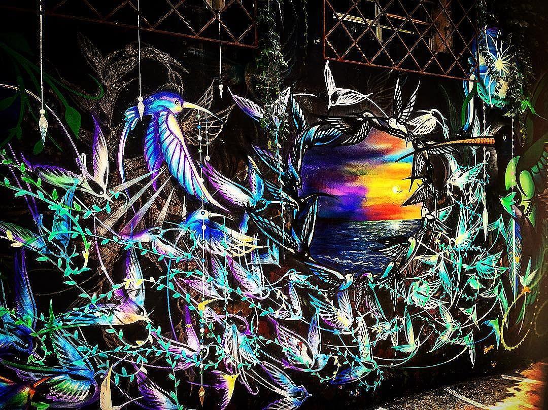 The most beautiful street art  in Beco do batman #beautifulart #art #artdujour #artpic #artlover #arteemfoco #artistic #arte #artederua #artenarua #arteurbano #urbanart #urbanartist #streetart #streetartlovers #streetartshots #streetarteverywhere #streetartsp #streetartsampa #sampa #sampaarte #arteemsampa #vilamadalena #vilamadaloka #becodobatman #issoesobrearte #issoesobremoda