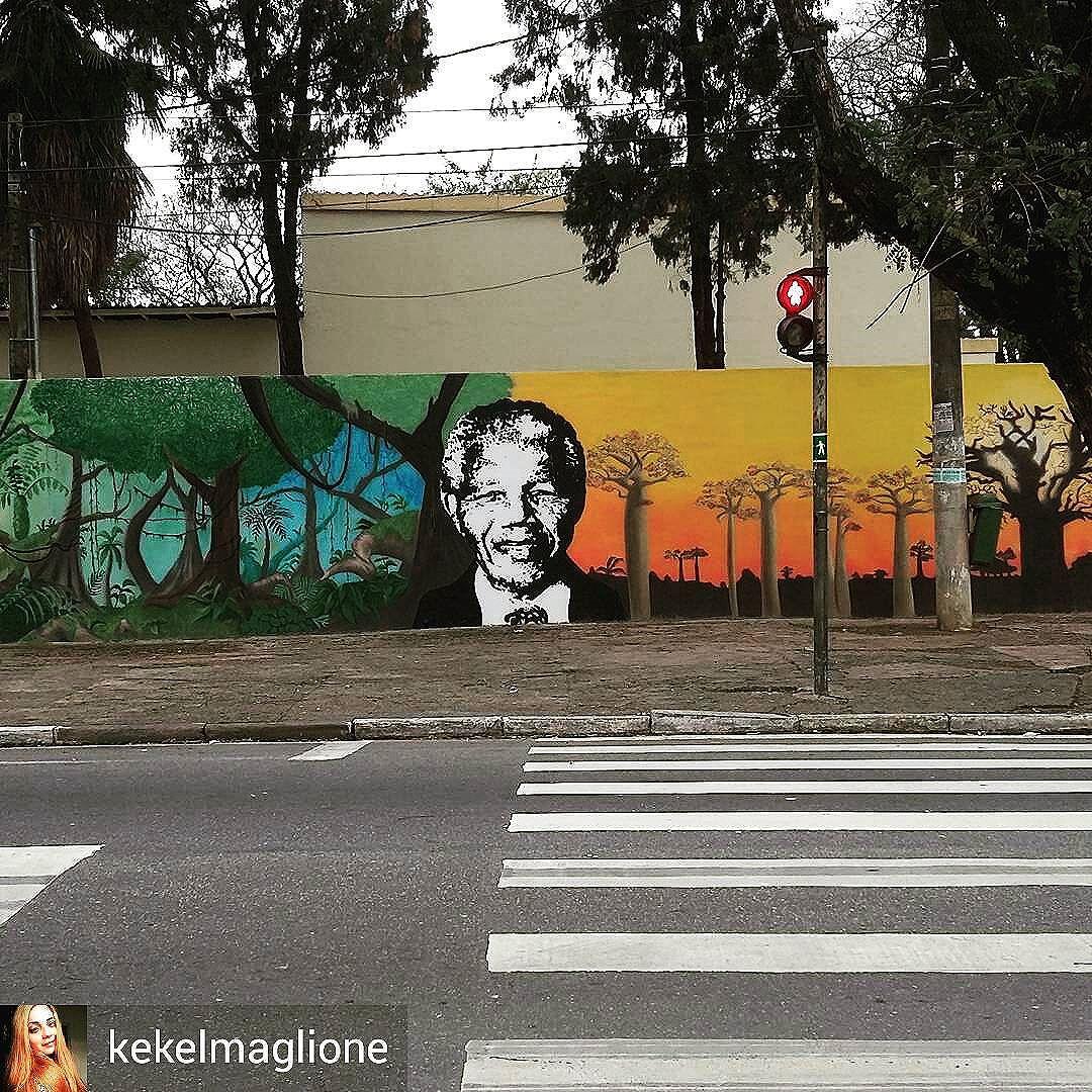 Arte de rua! #graffiti #grafite #art #arte #artderua #bairrodolimao #sp #saopaulo #zonanorte #photo #foto #photography #fotografia #mandela #nelsonmandela #sampa #selvadepedra #splovers #zn #streetartsp #urbanart #arturbana #streetart
