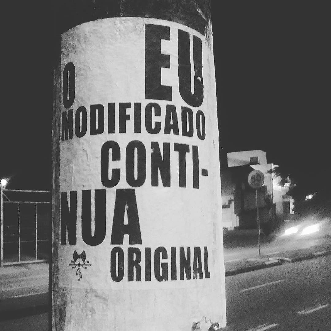 Eu na Heitor... #paulestinos #lambelambe #paulestinos #lambelambe #poesiaderua #poesiaconcreta #poesia #lambelambe #streetart #urbanart #arteurbana #artelatina #artecallejero #artecallejerolatinoamerica #taescritoemsampa #olheosmuros #streetartsp  #colagem #poesianoconcreto #lambesbrasil