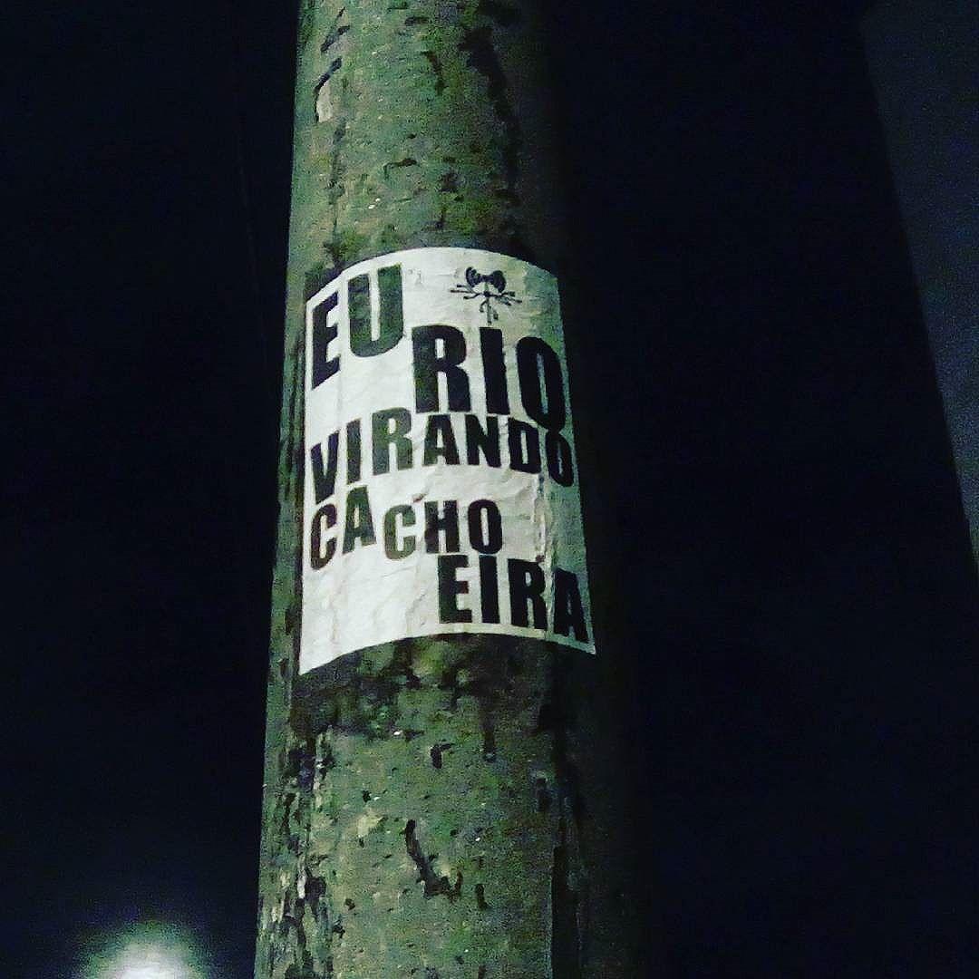 Eu rio... #paulestinos #lambelambe #paulestinos #lambelambe #poesiaderua #poesiaconcreta #poesia #lambelambe #streetart #urbanart #arteurbana #artelatina #artecallejero #artecallejerolatinoamerica #taescritoemsampa #olheosmuros #streetartsp  #colagem #poesianoconcreto #lambesbrasil