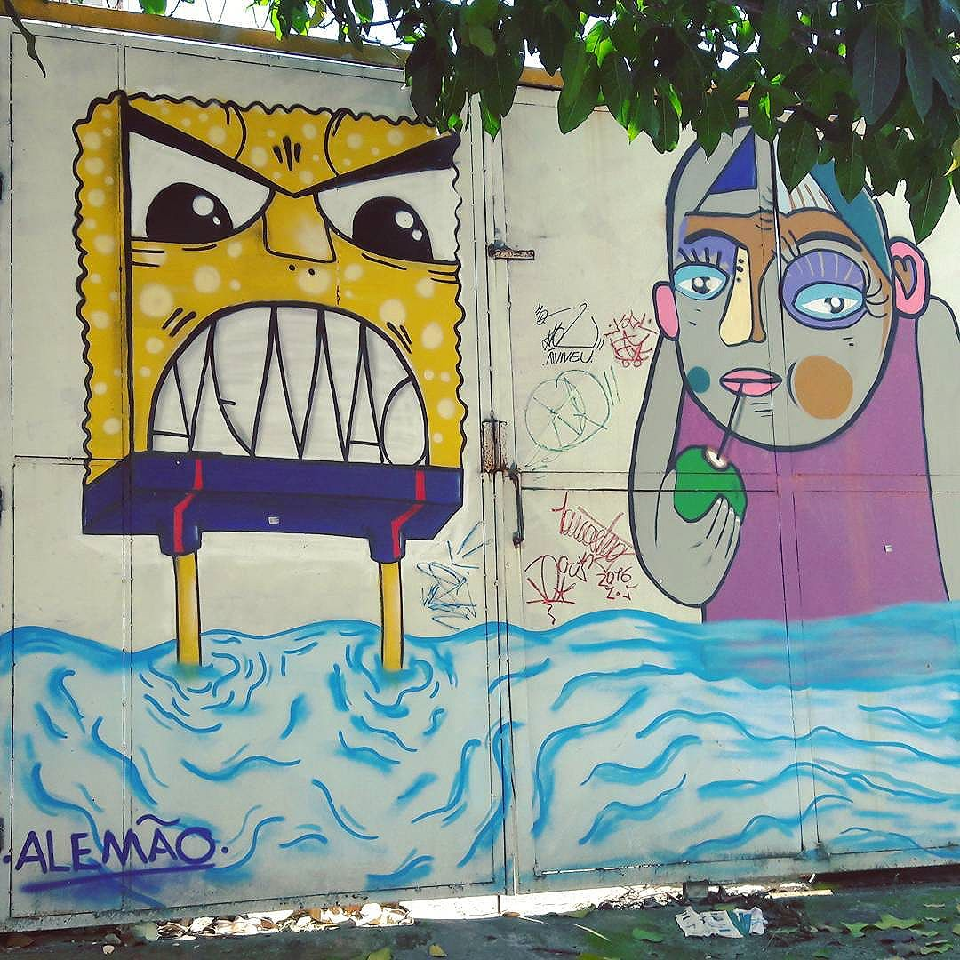 Happy garage door full of art in Vila Pompeia (São Paulo, Brazil) Artists: ALEMAO (@giulianoalemao) + AKBO (@_akbo) #alemaoart #akbo #be_one_urbanart #graffiti #graffiti_clicks #grafite #graf #streetart #streetartsp #streetphoto #streetarteverywhere #vilapompeia #streetartphotography #spraypaint #urbanwall #urbanart #wallart #saopaulo #brasil #rsa_graffiti #tv_streetart #saopaulocity #tv_sa_simplicity_graff #streetartofficial #artonwalls #brarts #taglifegraffiti #bobleponge #bobsponja #mad