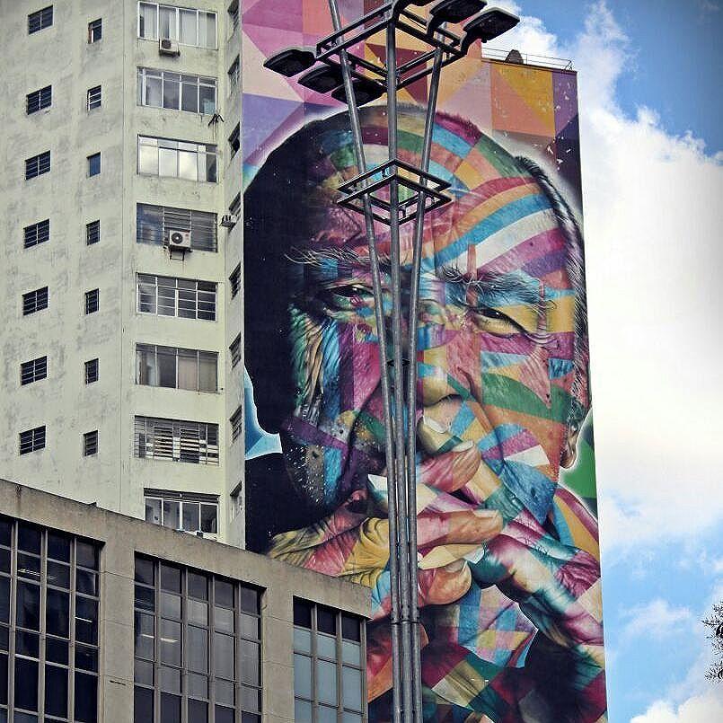 Oscar Niemeyer  Arte by:@kobrastreetart  #boatarde #paulista #paulistaavenue #kobra #artenasruas #arte #streetartsp #oscarniemeyer #art