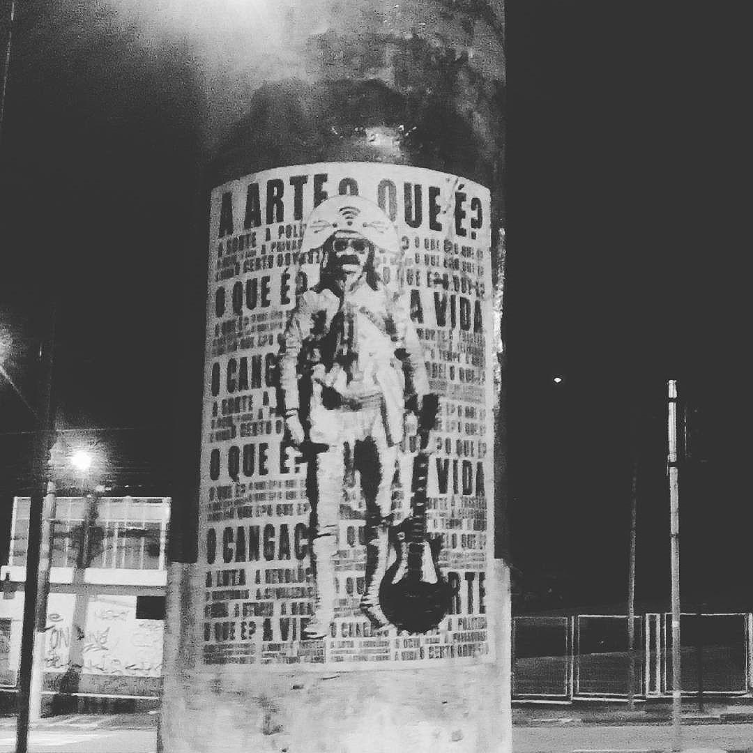 #paulestinos #lambelambe #paulestinos #lambelambe #poesiaderua #poesiaconcreta #poesia #lambelambe #streetart #urbanart #arteurbana #artelatina #artecallejero #artecallejerolatinoamerica #taescritoemsampa #olheosmuros #streetartsp  #colagem #poesianoconcreto #lambesbrasil