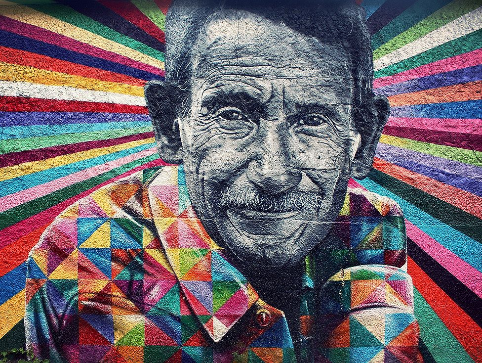 Mural by the Brazilian street art soldier, Eduardo Kobra | São Paulo #mural #eduardokobra @kobrastreetart #saopaulo #brasil #brazil #vilamadalena #streetart #globalstreetart #streetartbrazil #streetartist #street_art_community #streetartsp #art #culture #graffiti