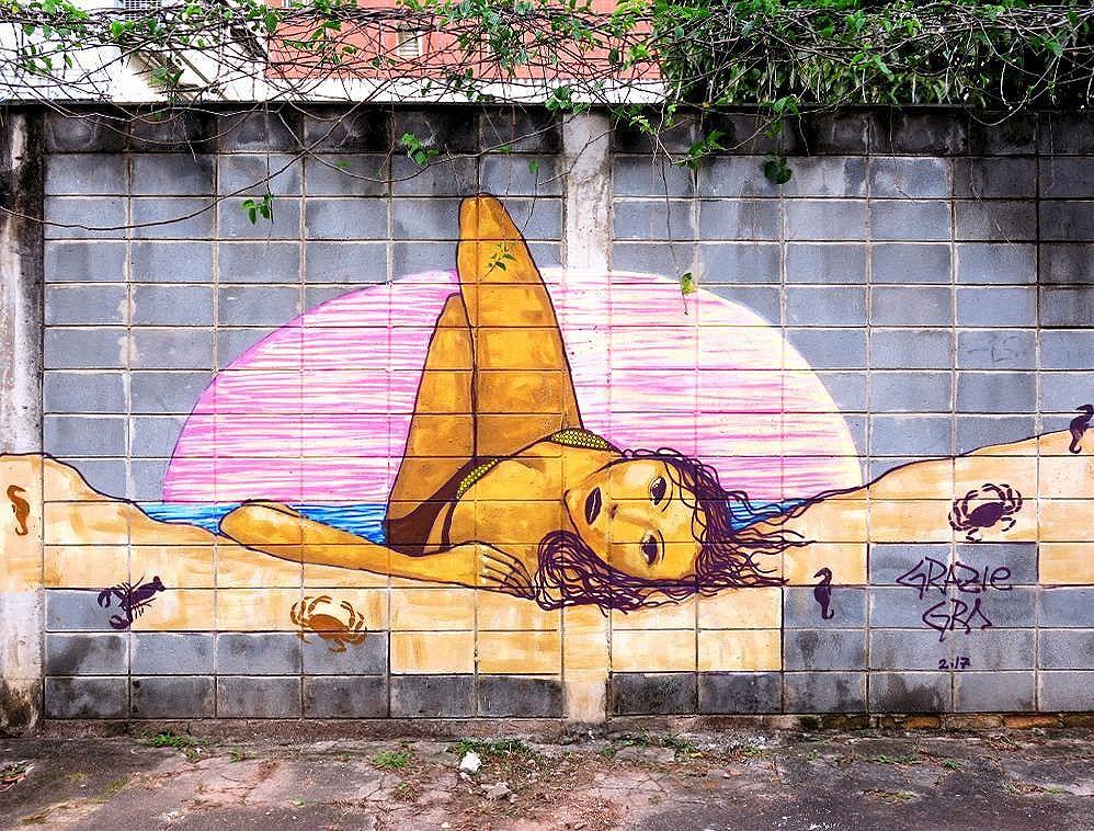 Mural feito para o Summer opening @vouprajacarepagua com @ocuparte. Obrigada #vouparajacarepagua pelo convite. . #solar #streetart #womanartist #streetart #activatedwalls #graffiti #streetart #total_urbanart #streetartfiles #welovestreetart #graffiti #resteitaasmina #IG_brazil_ #umapaixaopordia #sampagraffiti #saopaulowalk #sampagraffiti #brarts #coolsampa #cidadelinda #cidadecinza #saopaulocolorida #cidadedagaroa #total_urbanart #therealartofstreetart #be_one_urbanart #dopeshotbro #streetartsp