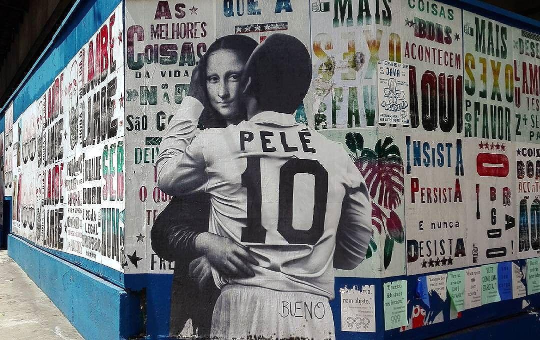 #Pelé kisses #MonaLisa #streetartSP #urbanart #mural #SaoPaulo #BuenoCaos #artist #LatamTour #Brasil