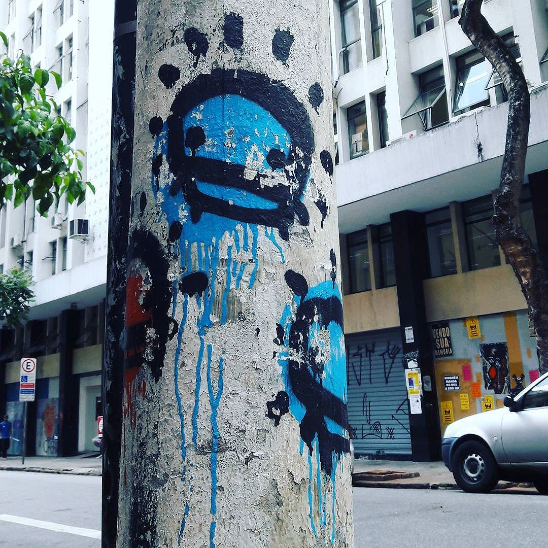 Queremos ver mais Flipitos do FLIP (@flipon) em São Paulo!!! #flip #flipito #sambadograffiti #be_one_urbanart #graffiti #graffiti_clicks #grafite #graf #streetart #streetartsp #streetphoto #streetarteverywhere #streetartphotography #spraypaint #urbanwall #urbanart #wallart #saopaulo #brasil #rsa_graffiti #tv_streetart #saopaulocity #tv_sa_simplicity_graff #streetartofficial #artonwalls #brarts #taglifegraffiti #madness #newgeneration #genius