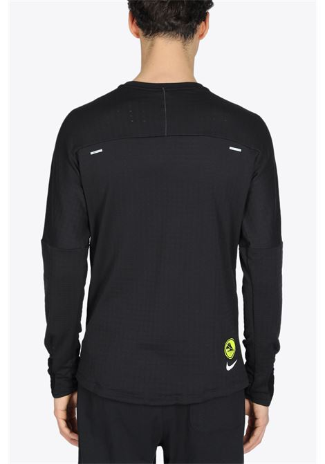 NIKE | 8 | DC4041-010 ELEMENT T-SHIRTBLACK