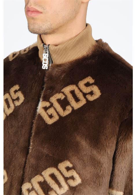 GCDS | -276790253 | FW20M040002 NEW FUR COACHBROWN