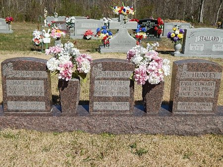 HUNLEY, PAUL EDWARD - Campbell County, Tennessee | PAUL EDWARD HUNLEY - Tennessee Gravestone Photos