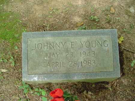 YOUNG, JOHNNY E. - Cumberland County, Tennessee | JOHNNY E. YOUNG - Tennessee Gravestone Photos