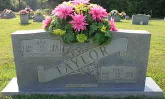 TAYLOR, INEZ - Henderson County, Tennessee   INEZ TAYLOR - Tennessee Gravestone Photos