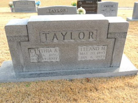 TAYLOR, LELAND H - Henderson County, Tennessee | LELAND H TAYLOR - Tennessee Gravestone Photos