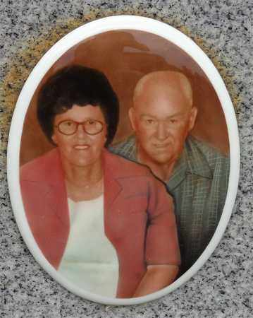 BROWN, DOROTHY (PHOTO) - Lewis County, Tennessee | DOROTHY (PHOTO) BROWN - Tennessee Gravestone Photos