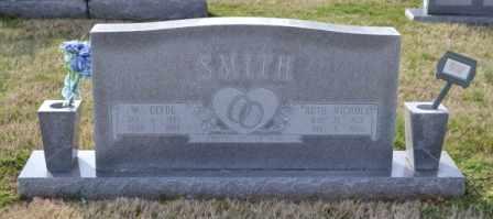 NICHOLS SMITH, LILLIAN RUTH - Sullivan County, Tennessee | LILLIAN RUTH NICHOLS SMITH - Tennessee Gravestone Photos