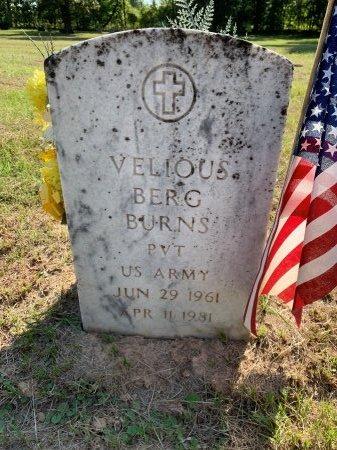 BURNS (VETERAN), VELIOUS BERG - Bowie County, Texas | VELIOUS BERG BURNS (VETERAN) - Texas Gravestone Photos