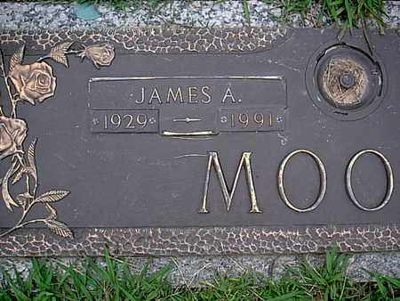 MOORE, JAMES A (CLOSEUP) - Bowie County, Texas | JAMES A (CLOSEUP) MOORE - Texas Gravestone Photos