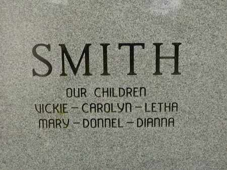 SMITH, DONNEL  E (BACK VIEW) - Bowie County, Texas | DONNEL  E (BACK VIEW) SMITH - Texas Gravestone Photos
