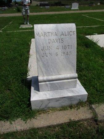DAVIS, MARTHA ALICE (CLOSEUP) - Roberts County, Texas   MARTHA ALICE (CLOSEUP) DAVIS - Texas Gravestone Photos
