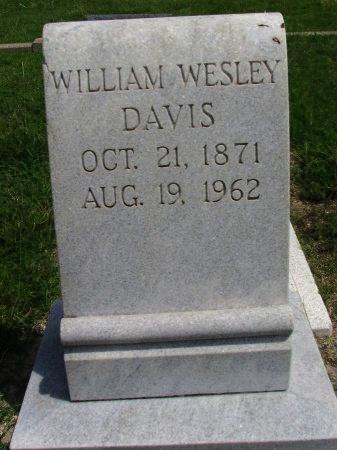 DAVIS, WILLIAM WESLEY (CLOSEUP) - Roberts County, Texas | WILLIAM WESLEY (CLOSEUP) DAVIS - Texas Gravestone Photos