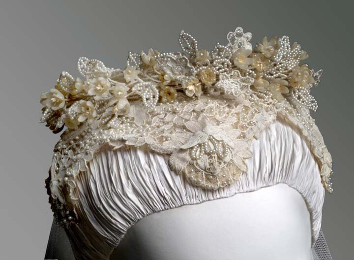 Iconic wedding dresses: Grace Kelly juliet