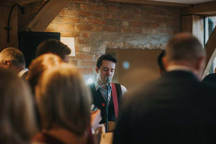 How much does wedding ceremony music cost?