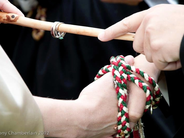 Handfasting and pagan wedding ceremonies an alternative religious handfasting junglespirit Gallery