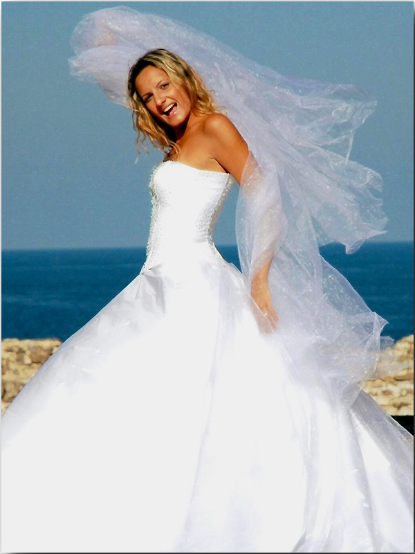 How To Choose The Perfect Wedding Dress | The Wedding Secret Magazine