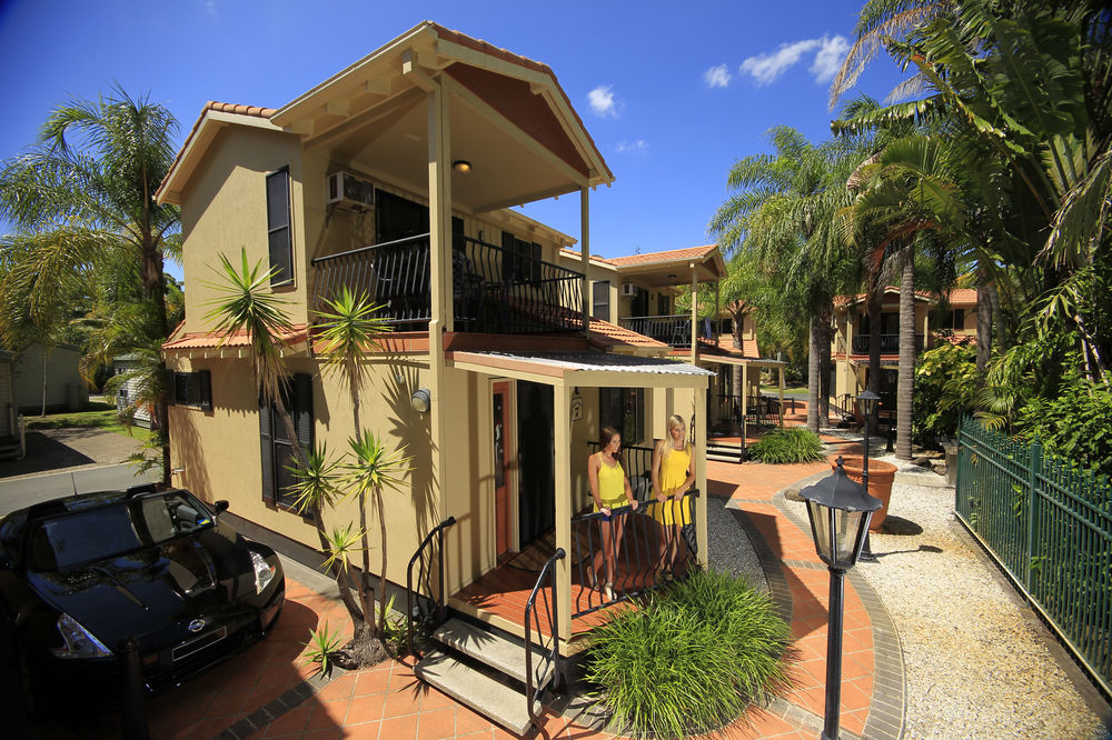 *** OFFICIAL WEBSITE of Ashmore Palms Holiday Village - Gold Coast holiday park with family holiday accommodation