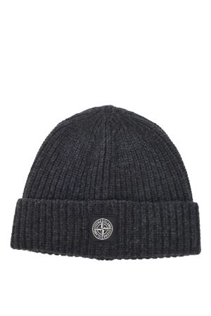 Stone Island hat in ribbed wool. STONE ISLAND | 26 | N10B5V0065