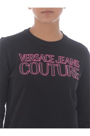 Felpa Versace Jeans Couture in cotone VERSACE JEANS | 10000005 | B6HZA7KP30328-899