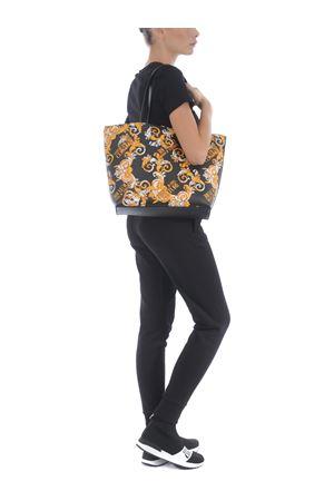 Versace Jeans Couture reversible shopper. VERSACE JEANS | 31 | E1VZABZ171588-M27