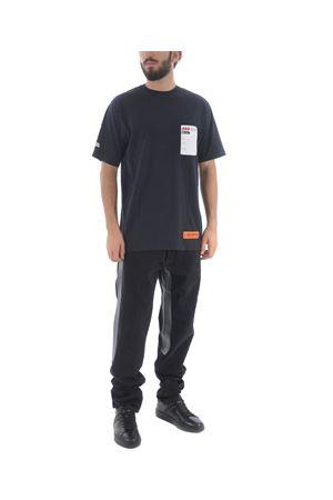 T-shirt Heron Preston over sticker label HERON PRESTON | 8 | HMAA001F197600090488