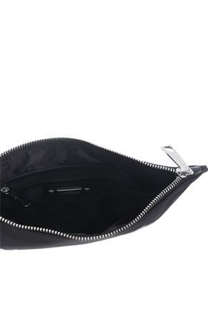 Pochette John Richmond Okland in nylon JOHN RICHMOND | 31 | RMP21243BOBLACK