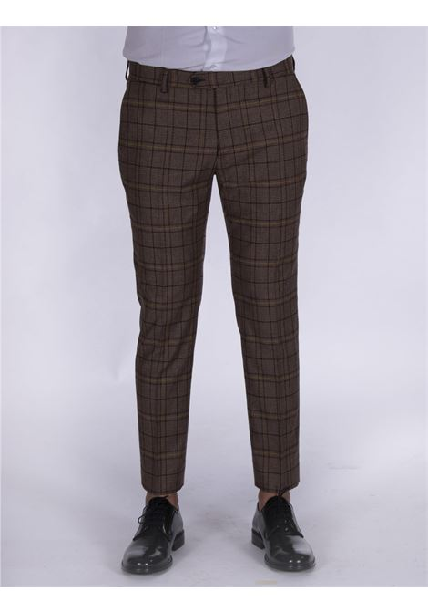 Be Able alexander shorter trousers in brown squares BE ABLE | Trousers | WLQ1